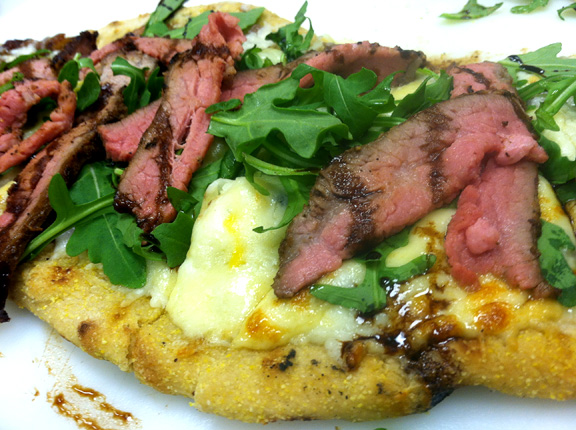tri-tip flat bread pizza
