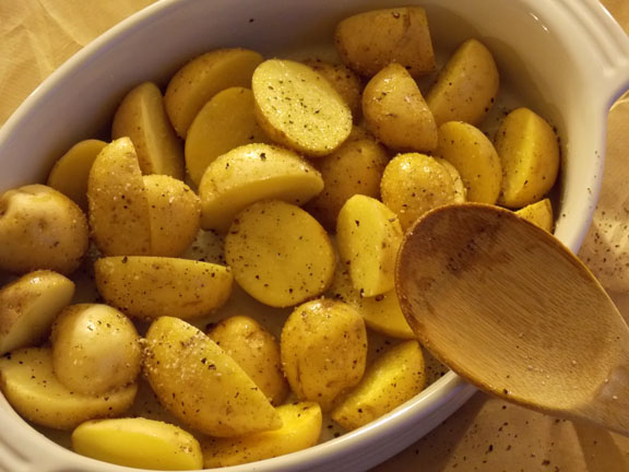 Potatoes with olive oil, salt and pepper